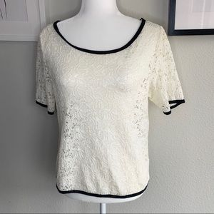 Forever 21 floral short sleeves Lace Top sz:M